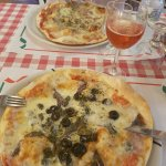 pizzas de atun y de achoas