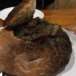 Carne com especiarias servida na panhoca