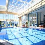 Neues Schwimmbad mit Cabrio-Dach