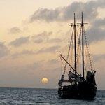 Foto de Blue Melody & Black Pearl Sailing