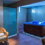 Jacuzzi room Odyssey hotel Spa