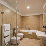 Hotel Pod Vezi - Twin De Luxe bathroom