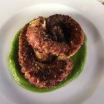 Oktopus auf Zucchini Creme