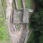 Les restes des parois, vus d'en haut.