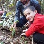 Plantando un árbol de Nogal con Eduardo