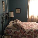 PROVENCE Room- 1st floor, queen bed