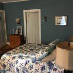 ATLANTIC Room- 2nd floor, queen bed