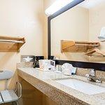 2 Queen Accessible Room: Bath/Vanity Area