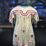 costume autochtone_musée canadien de l'histoire