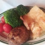 Each entree came with a side of scalloped potatoes, fresh steamed vegetables and grilled mushroo