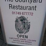 The Courtyard Restaurant Foto