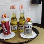 Cervezas con Camarones