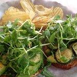 The vegan sandwich (pesto, roasted zucchini, avocado and pea shoots).
