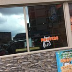 Hooters of Niagara Falls