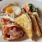 Foto de Bingil Bay Cafe