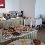 Breakfast buffet (2/2)