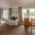 Classic double/twin room showing sea view