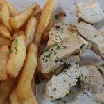 Filet de poulet grillé au thym et citron