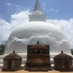 Polonnaruwa temple complex