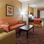 2 Queens Suite