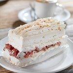 Strawberry & Meringue dessert