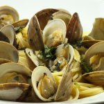 Linguini w/ Clams in our white wine sauce