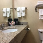 Comfort Suites Bathroom