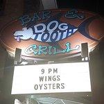Foto de Dog Tooth Bar & Grill