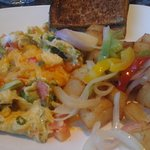 Veggie scramble with potatoes and toast