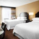 Foto de Sheraton Milwaukee Brookfield Hotel
