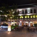 Sawaddi Patong Resort & Spa Foto