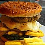 doppio hamburger con friarielli
