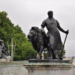 Photo of Queen Victoria Memorial
