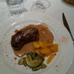 Andouillette grillée 5a, sauce moutarde.
