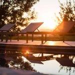 Coucher de soleil bord de piscine