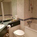 Room 617 bathroom