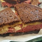cornbeef Reuben was a decent sandwhich. better meat to bread ratio