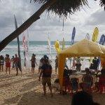 หาดกะตะปลายเดือนกันยายน เหมาะสำหรับการเล่นเซิร์ฟ ส่วนการลงเล่นน้ำ ต้องดูเป็นวันวันไป โดยสังเกตที