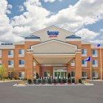 Photo of Fairfield Inn & Suites by Marriott Milwaukee Airport