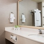 Photo de Holiday Inn Express Hotel & Suites Burlington