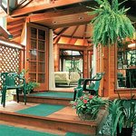 Forest House Lanai
