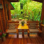 Bamboo Guest House Lanai