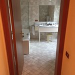 Modà Antica Locanda (bathroom)