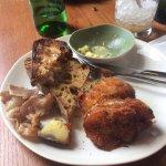 brunch 14€ : bacon imangeable (salé!), grasses, œux ok. Rien de plus (ni salades, ni tomates...)