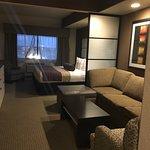 Photo de Best Western Plus Lackland Hotel & Suites