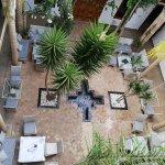 vue du patio depuis la terrasse