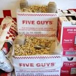 Five Guys Burgers and Fries의 사진