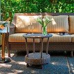 Vintage House Villa King Suite Garden Patio