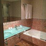 Foto de AC Hotel Palacio de Santa Ana