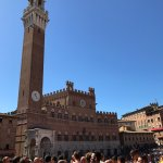 Photo de Torre del Mangia